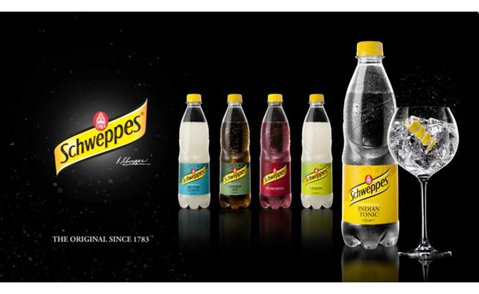Coca Cola: Επενδύει σημαντικά στο brand Schweppes