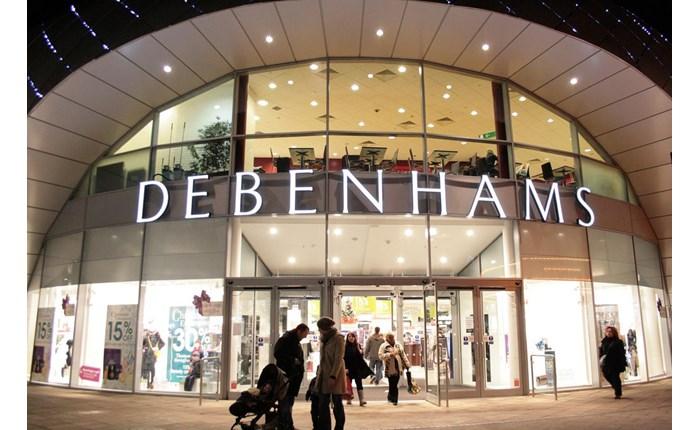 Στη Mother η διαφήμιση της Debenhams