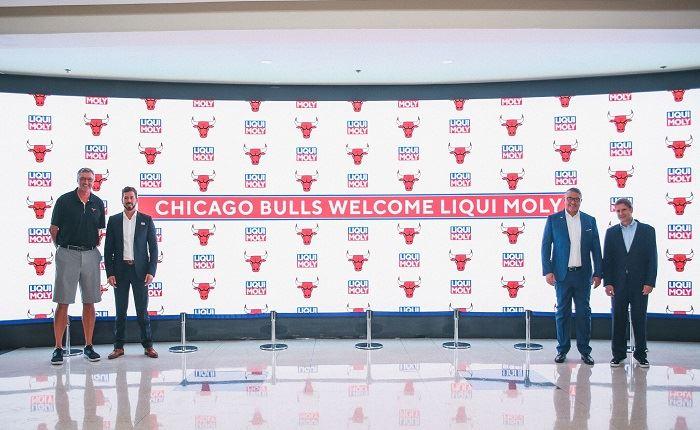 Η Liqui Molly συνεργάζεται με τους Chicago Bulls