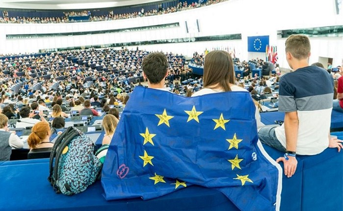 Ευρωπαϊκό Κοινοβούλιο: Spec 1,6 εκατ. ευρώ