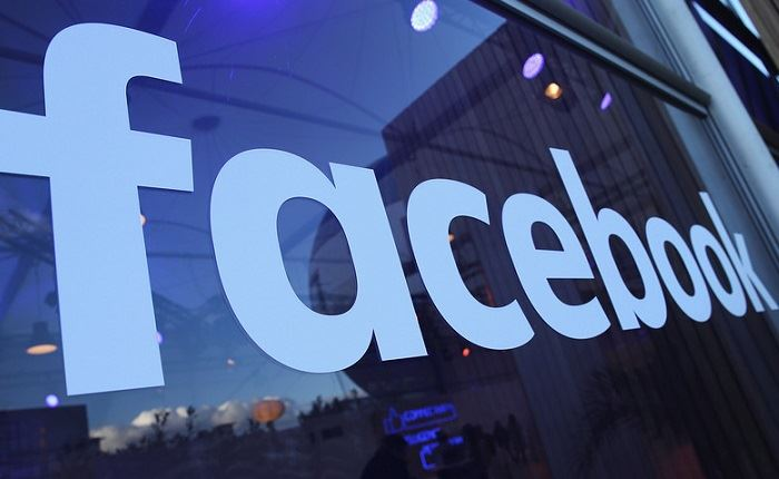 Facebook: Ανταποκρίνεται στα αιτήματα αλλαγής πολιτικής και όρων χρήσης