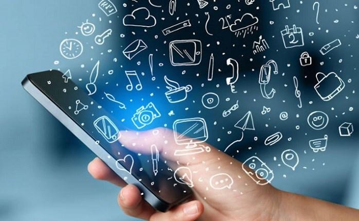 Αφιερώνουμε 800 ώρες το χρόνο στο mobile internet
