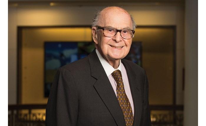 «Έφυγε» στα 98 του χρόνια ο Harold Burson