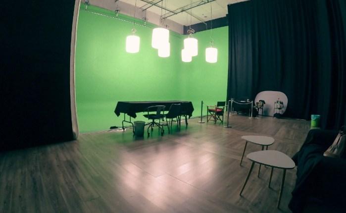 Bobos Club: Δημιουργεί το Green Screen Studio