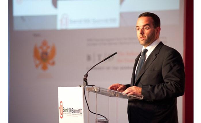 Ομιλητής στο Summit100 ο Θ. Κυριακού
