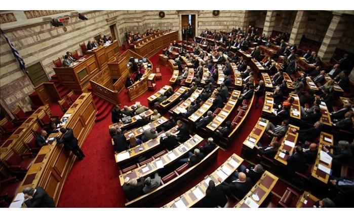 «Ανοικτή», μετά από πιέσεις της ΕΔΕΕ, η έναρξη ισχύος της τροπολογίας και νέο καθεστώς αμοιβών μέχρι 4%.