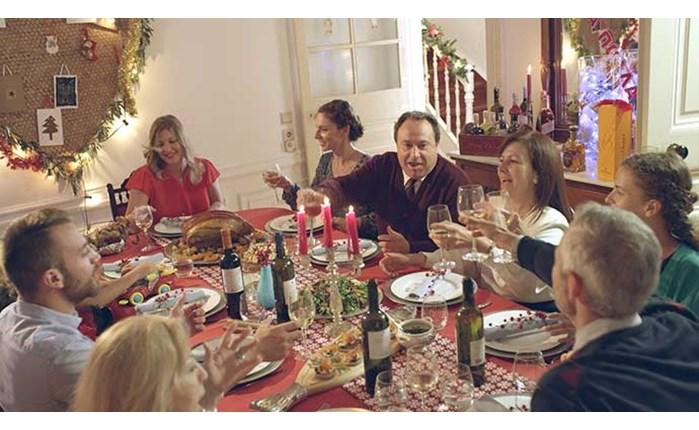 Νέο γιορτινό σποτ από AB και Spot JWT
