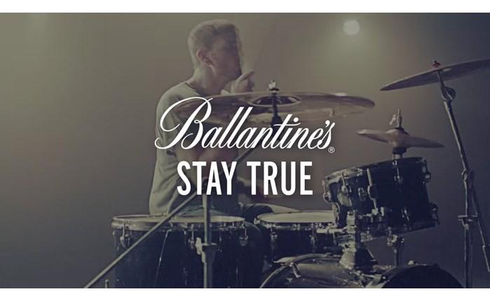 Νέα καμπάνια από το Ballantine\'s