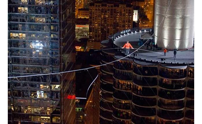 «Σχοινοβατώντας ανάμεσα σε ουρανοξύστες» στη Nova!