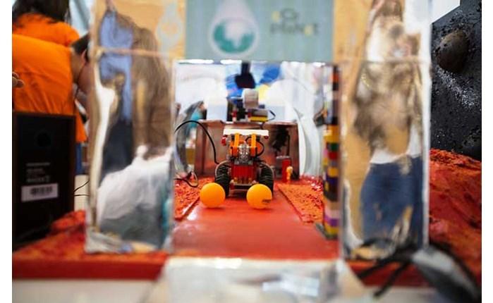 COSMOTE: Στηρίζει τη ρομποτική από μαθητές δημοτικού