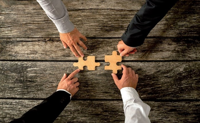 Έντονη δραστηριότητα σε εξαγορές και συγχωνεύσεις