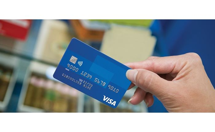 Visa: Oι ανέπαφες συναλλαγές αλλάζουν τις συνήθειες τα Χριστούγεννα