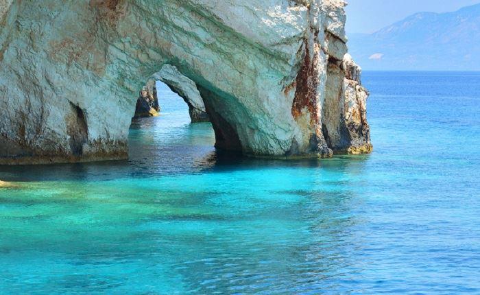 Chanel: Εξυμνεί τις ομορφιές της Ελλάδας