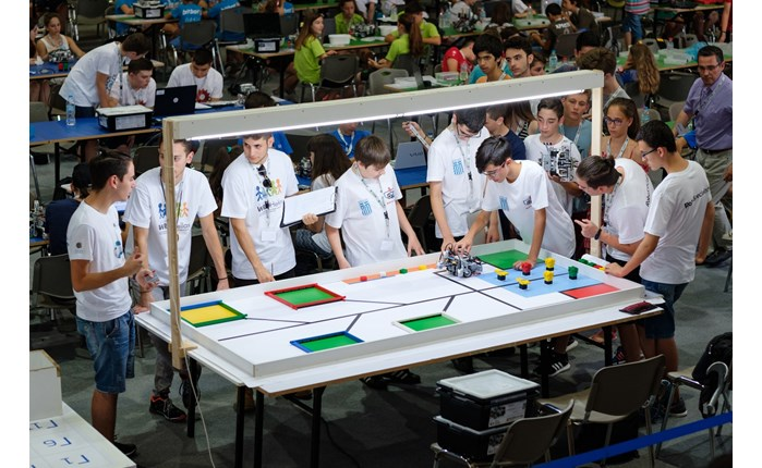 Cosmote: Έτοιμη η ελληνική αποστολή για την Ολυμπιάδα Εκπαιδευτικής Ρομποτικής